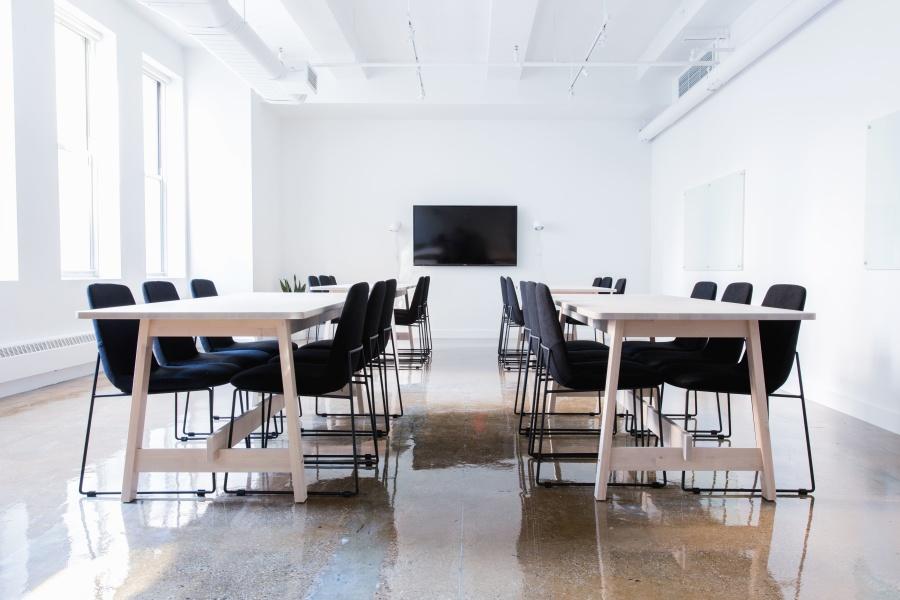 Bezpieczeństwo i higiena pracy: urządzenia biurowe
